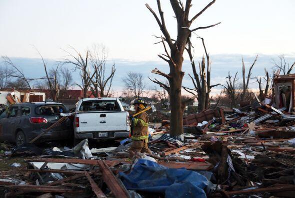 Las alertas de tornado incluyen las ciudades de Chicago, Detroit e India...
