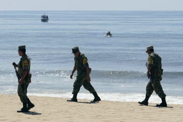 En Guerrero una avioneta cayó dentro del mar.