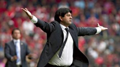 José Cardozo vivió como de costumbre con mucha intensidad el partido y a...