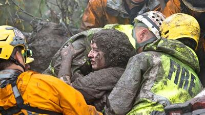 Adolescente de 14 años es rescatada por bomberos en Montecito.