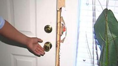 Daño a la puerta de la vivienda