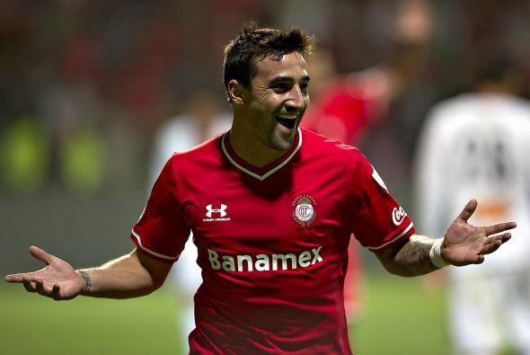 El delantero uruguayo, Juan Manuel Salgueiro, deja al Toluca para regres...