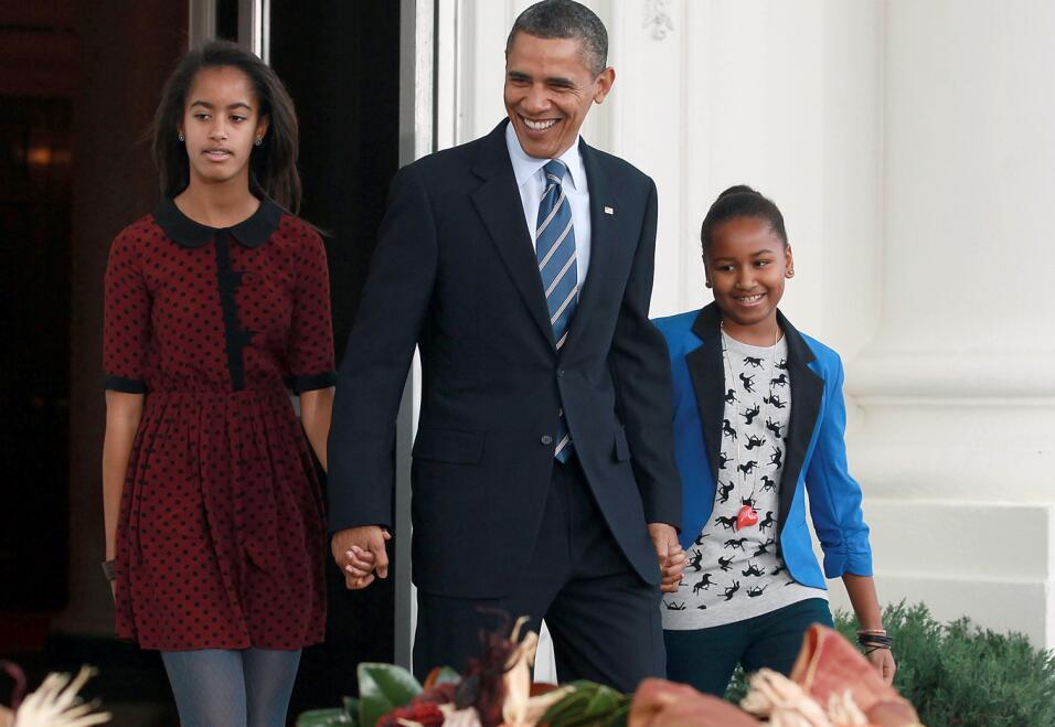 8 lecciones prácticas sobre educación que dejan los Obama como padres th...