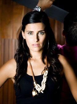 La cantante canadiense platicó con Univision.com sobre este nuevo álbum,...