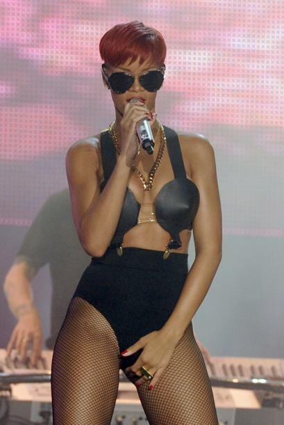 La humilde joven de Barbados quedó atrás y ahora se puede ver a una Riha...