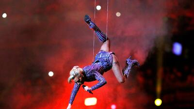 Lady Gaga le 'dio vuelo' al espectáculo de medio tiempo en el Super Bowl LI