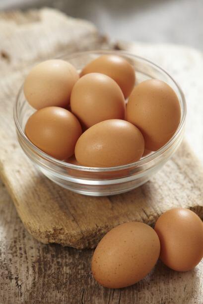 Grasas animales (carnes, lácteos y huevos). Entre las grasas saturadas,...