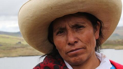 Máxima Acuña es reconocida internacionalmente por su lucha...