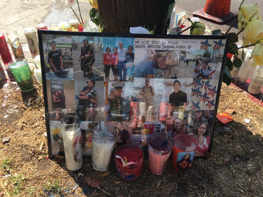 El memorial colocado por el marine Carlos Segovia, baleado a mediados de...