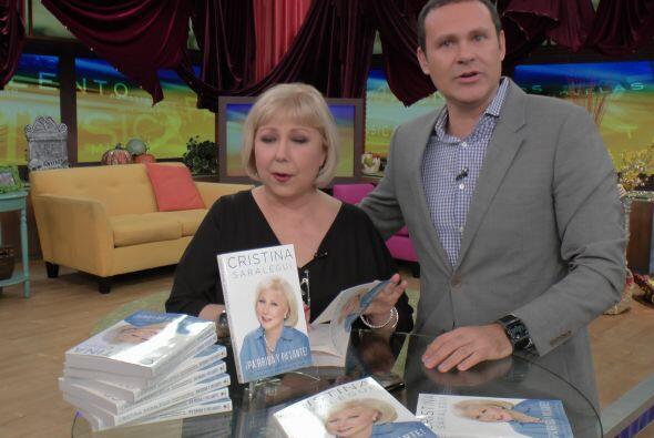 Junto a Alan invitó a todos a comprar su libro '¡Pa' rriba...