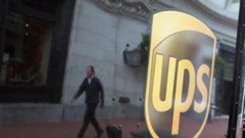 Protestan por despidos de empleados hispanos de UPS por sistema E-Verify...