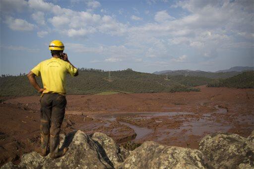 Colapso de una represa minera en Brasil