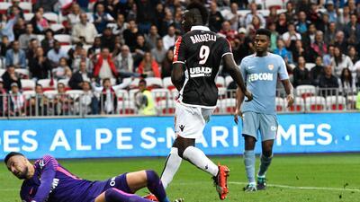 Balotelli deja en evidencia al Mónaco