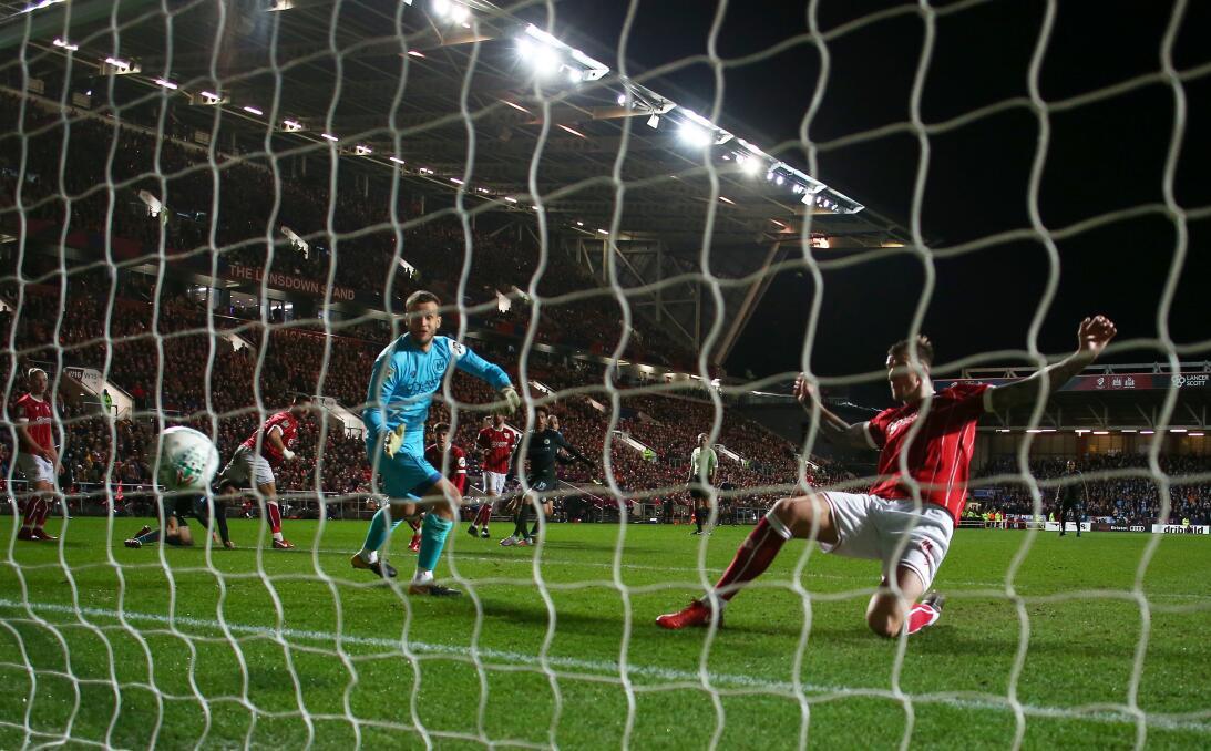 En fotos: Manchester City supera al Bristol y jugará la final de la Copa...