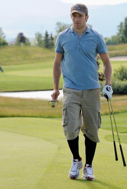 Otra de las pasiones de Alessandro es el golf, así como el básquetbol. E...