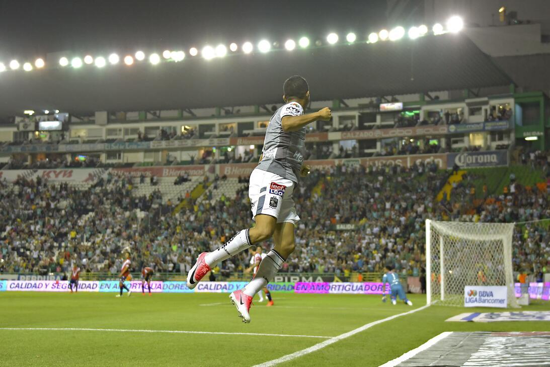 León golea en 20 minutos de gloria Gol German Cano.jpg