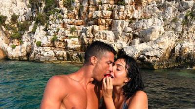 Cristiano Ronaldo no ganó la Copa del Mundo, pero así se consuela junto a su novia Georgina Rodríguez