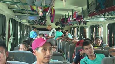 Decenas de migrantes de la caravana comienzan a acogerse al plan de retorno seguro a sus países