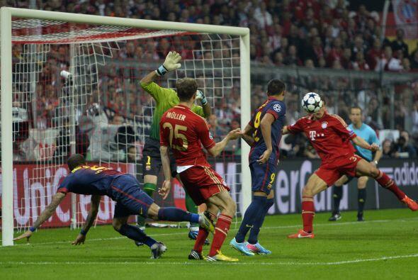 Casi arrancando la segunda mitad, el Bayern dio el segundo golpe en una...