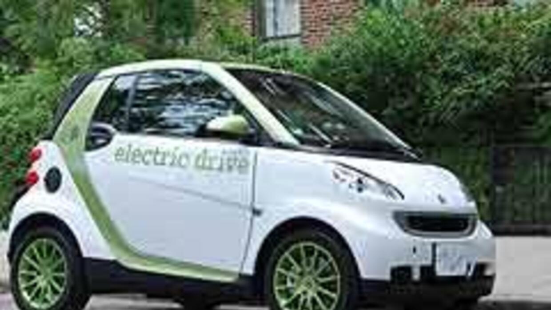 smart fortwo electric drive 2f63e9ea6b0d42bdabda5086aa04b442.jpg