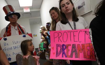 Un grupo de dreamers durante una protesta para pedirle al Congreso que a...