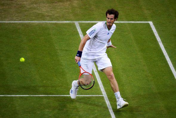 El británico Andy Murray, cuarto favorito del torneo, se impuso esta noc...