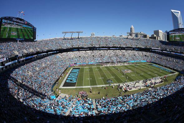 Lunes, Nov. 2 -- Colts vs. Panthers, Bank of America Stadium, Charlotte,...