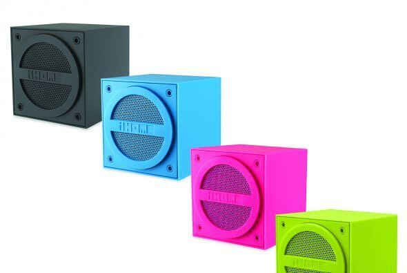 El iHome mini altavoz es inalámbrico y te permite llevar la música donde...