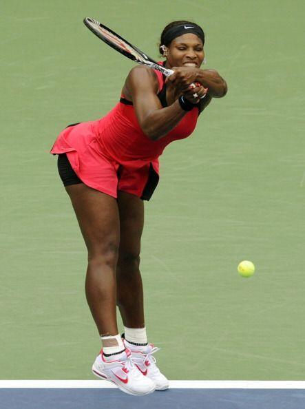 La menor de las Williams, Serena, regresó con paso firme y en cuartos le...