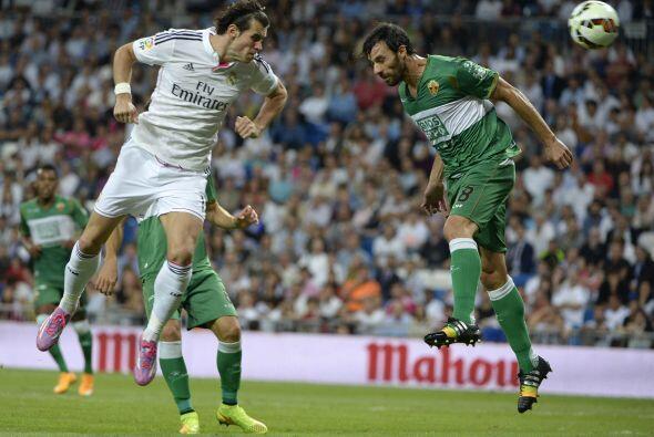 No pasó mucho tiempo para que el Madrid lograra empatar en un buen servi...