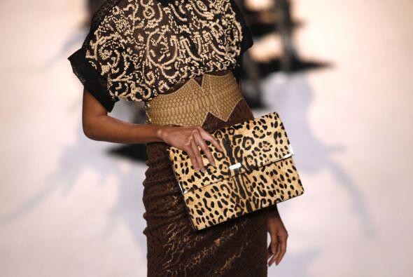 El leopardo es un excelente 'print' que puedes combinar con colores tier...