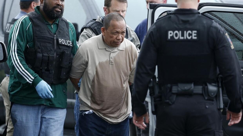 Eulalio Tordil, de 62 años, es arrestado por las autoridades como sospec...