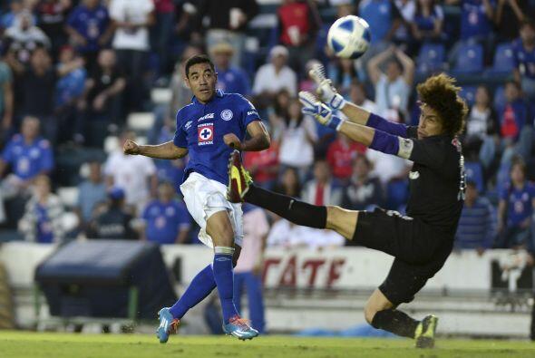 Convirtió sus goles al minuto 46 y al 79, cuando parecía que Xolos podía...
