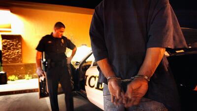 Qué debe saber su abogado de inmigración sobre sus antecedentes criminales
