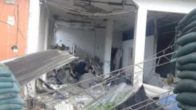 Imagen tomada de Twitter del ataque a la estación de la Policía colombia...