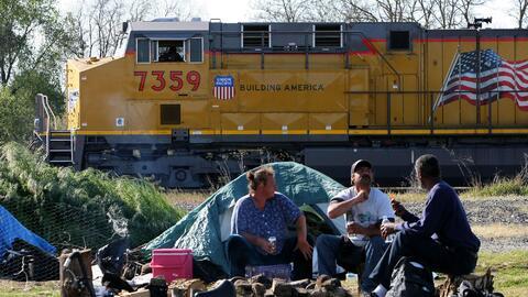 Un campamento de peronas sin techo en Sacramento, California.