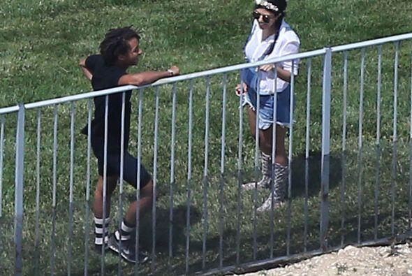 """Jaden Smith hablando con su """"cuñada"""", Kourtney. Más videos de Chismes aquí."""