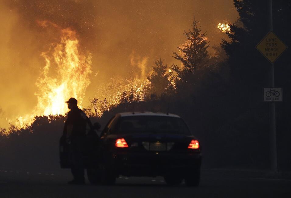 Incendios en el norte de California han dejado destrucción en la...
