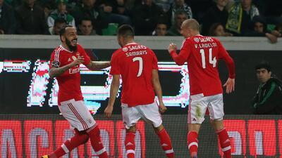 Benfica derrotó al Sporting de Lisboa en el Clásico de Portugal y es líder