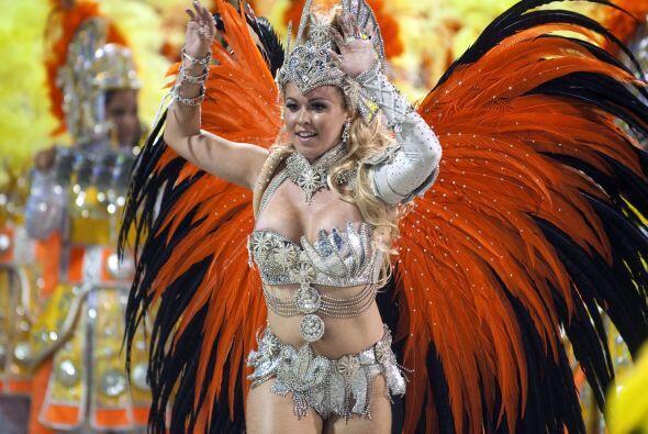 Río de Janeiro se encuentra en pleno carnaval y fiesta. Hoy está listo p...