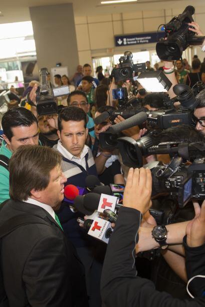 El 'Piojo' fue abordado por los medios de comunicación y como es su cost...