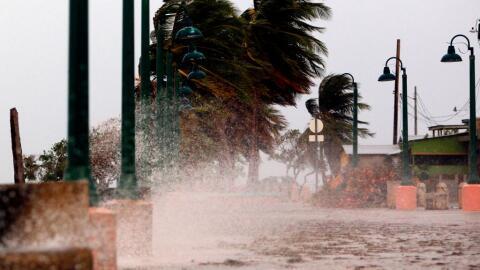 Puerto Rico recibe la furia de María en estos momentos.