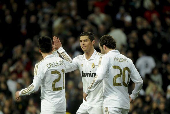 El portugués lo festejó al lado de sus compañeros.