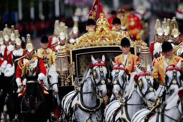 El vehículo, tirado por caballos, incluye asimismo mecanismos modernos,...