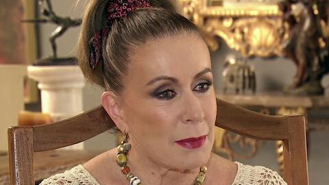 """Laura Zapata acusa a Thalía de difamarla con un """"tweet"""" homofóbico"""