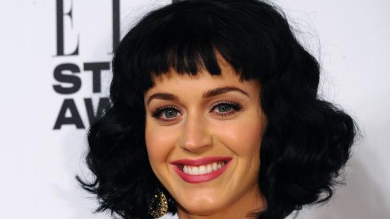 La cantante invitó a salir a un jugador de futbol americano.