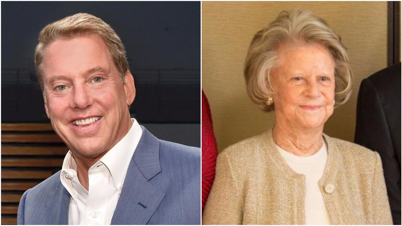 Bill Ford presidente de la junta directiva de Ford y su madre Martha Fir...