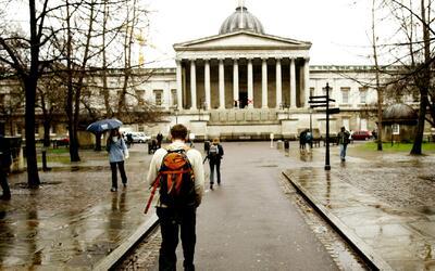 Las ventajas de ahorrar para poder estudiar una carrera universitaria