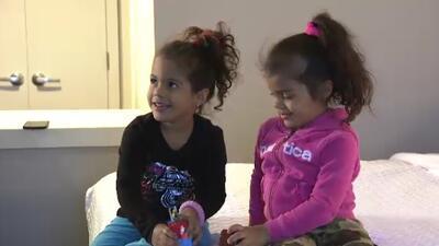 Madre puertorriqueña y sus hijas buscan una segunda oportunidad tras el paso del huracán María