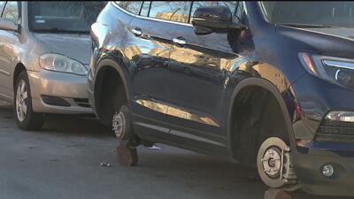 Sospechosos le roban las llantas de su vehículo y la policía lo multa por supuesto abandono del automóvil